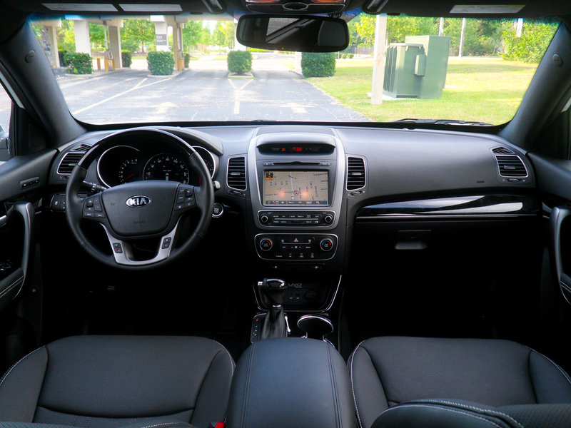 2015 Kia Sorento SXL - Driven High Resolution Interior - image 558497