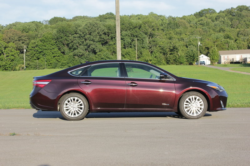 2014 Toyota Avalon Hybrid - Driven High Resolution Exterior - image 561048