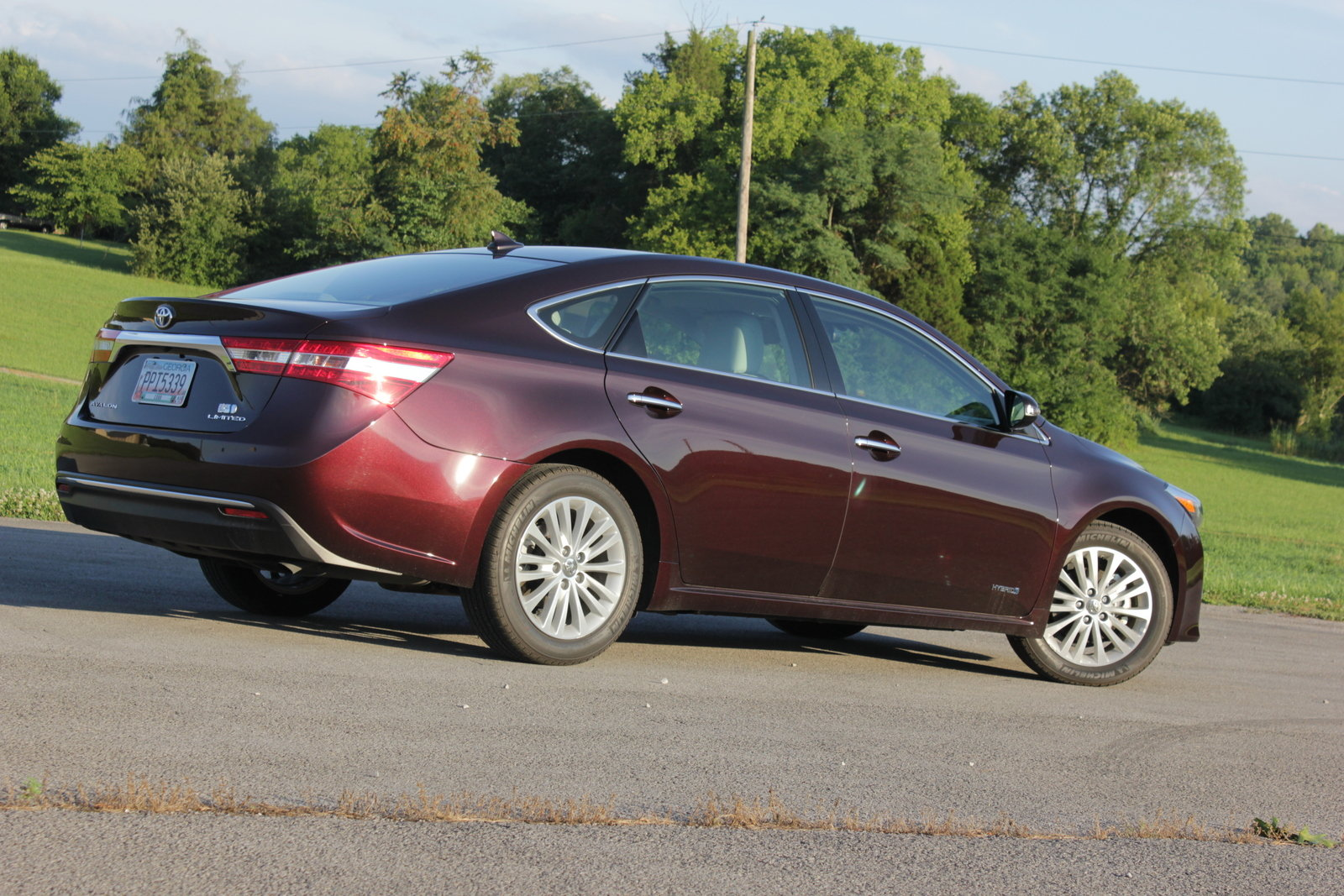 2014 toyota avalon hybrid driven picture 561049 car review top speed. Black Bedroom Furniture Sets. Home Design Ideas