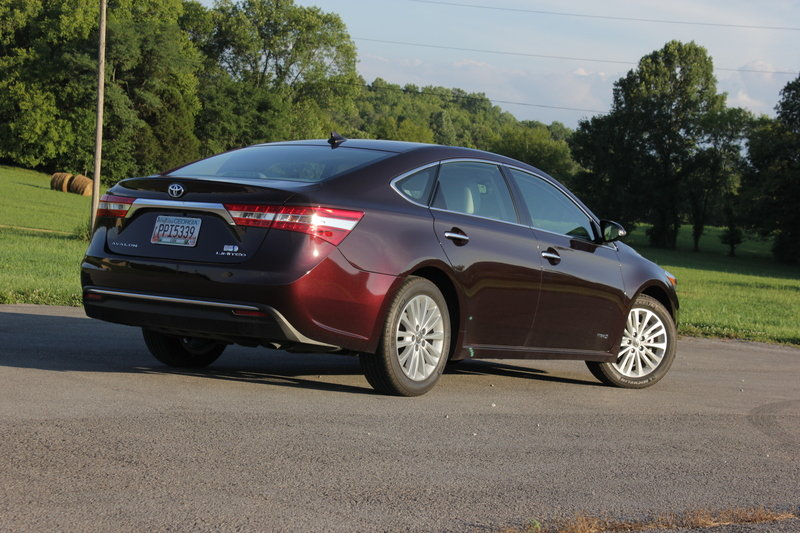 2014 Toyota Avalon Hybrid - Driven High Resolution Exterior - image 561050