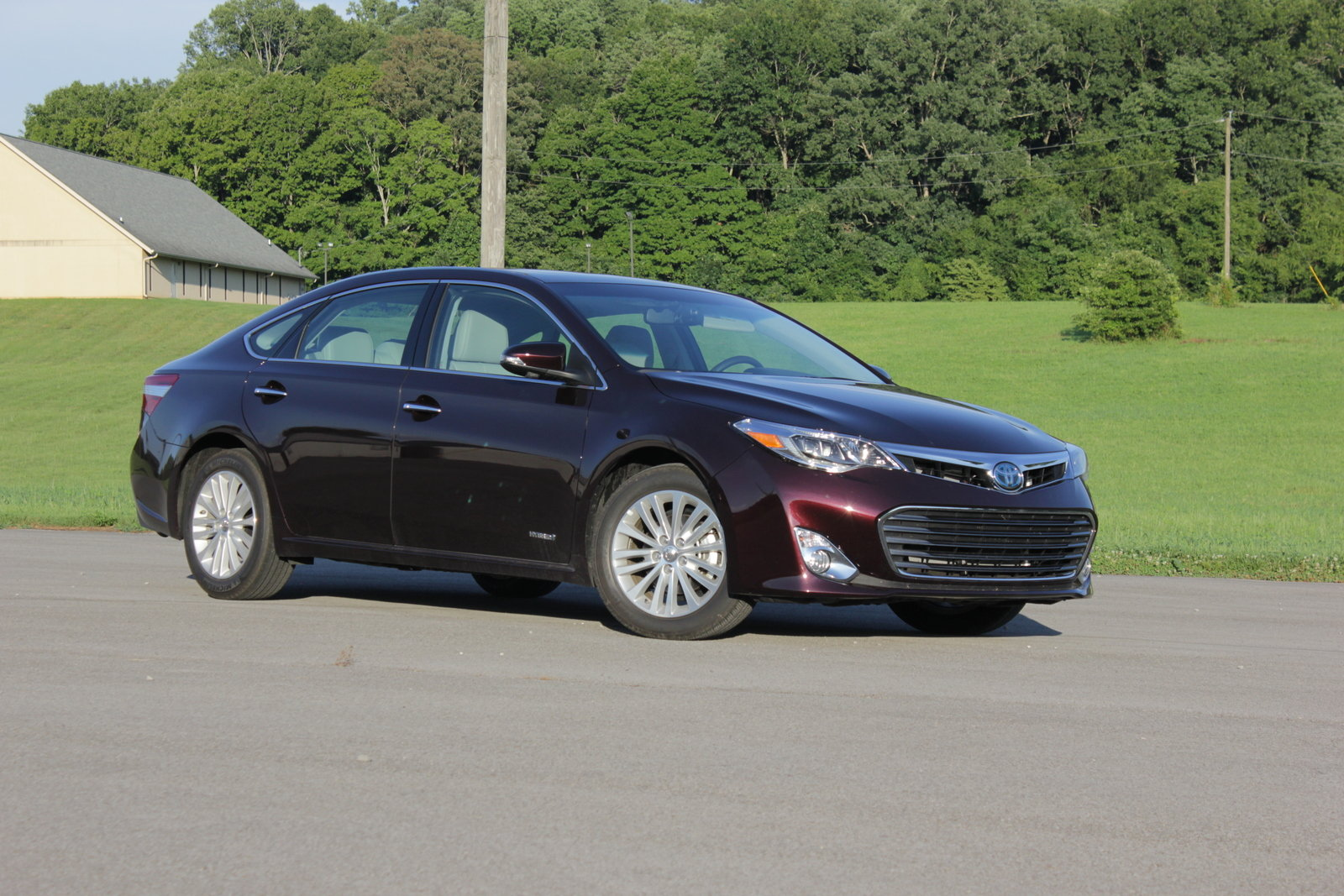 2014 toyota avalon hybrid driven review top speed. Black Bedroom Furniture Sets. Home Design Ideas