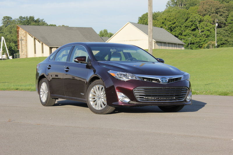 2014 Toyota Avalon Hybrid - Driven High Resolution Exterior - image 561042