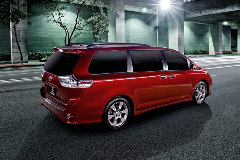 2015 Toyota Sienna High Resolution Exterior - image 560904
