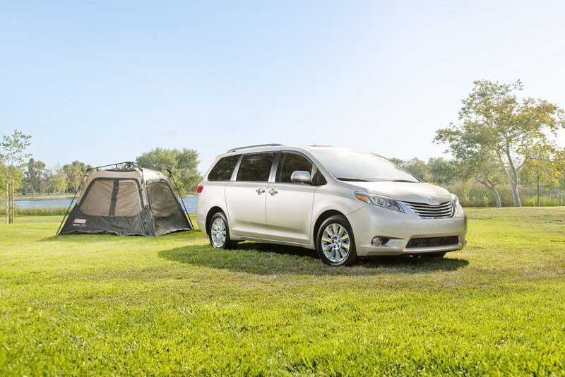 2015 Toyota Sienna High Resolution Exterior - image 560878