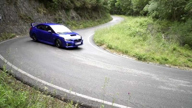 Video: Subaru WRX STI & BRZ Gymkhana
