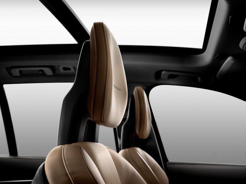 2015 Volvo XC90 First Edition Interior - image 566202