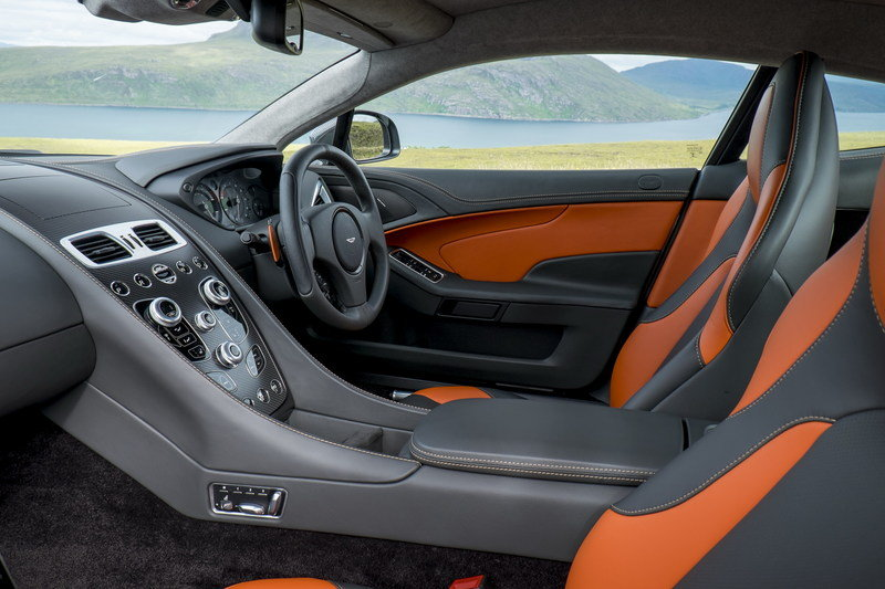 Comparison: 2019 Aston Martin DBS Superleggera vs. Aston Martin Vanquish Interior - image 563418