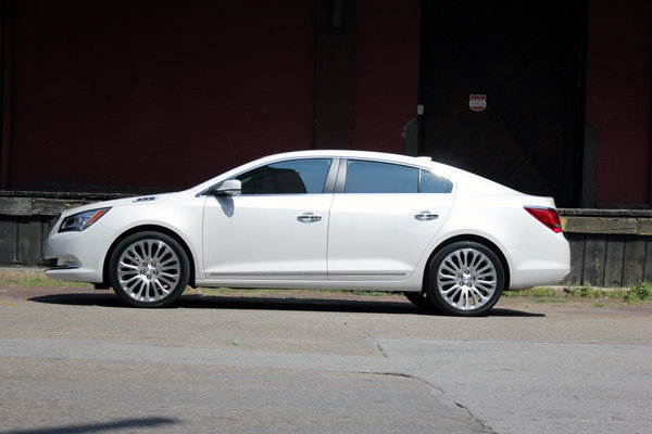 2015 buick lacrosse driven car review top speed. Black Bedroom Furniture Sets. Home Design Ideas