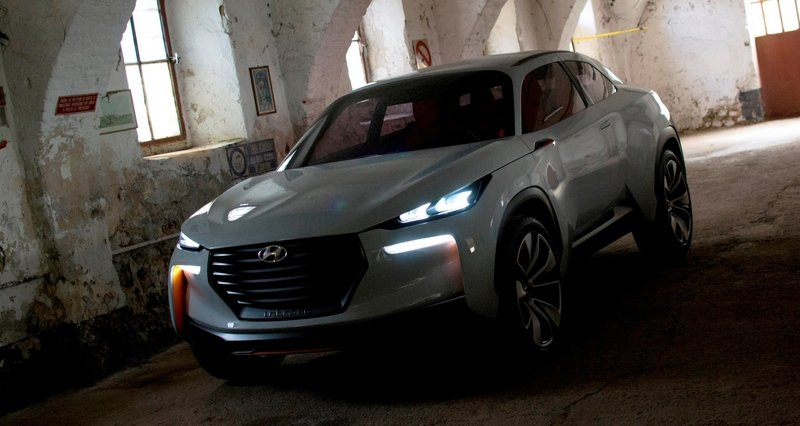 Hyundai Considering Crossover to Compete Against the Lexus RX