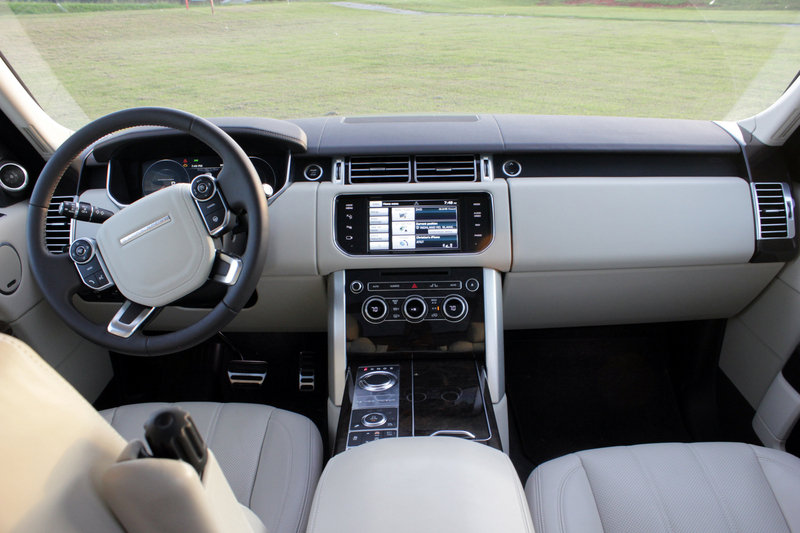 2014 Land Rover Range Rover LWB - Driven High Resolution Interior - image 566024