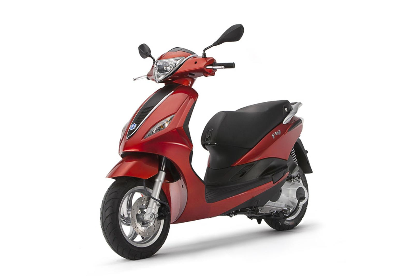 2014 piaggio fly 125 3v review top speed. Black Bedroom Furniture Sets. Home Design Ideas