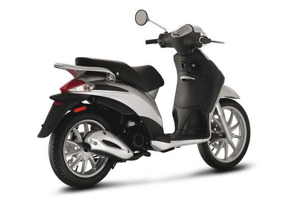 2014 piaggio liberty 50 2t motorcycle review top speed. Black Bedroom Furniture Sets. Home Design Ideas