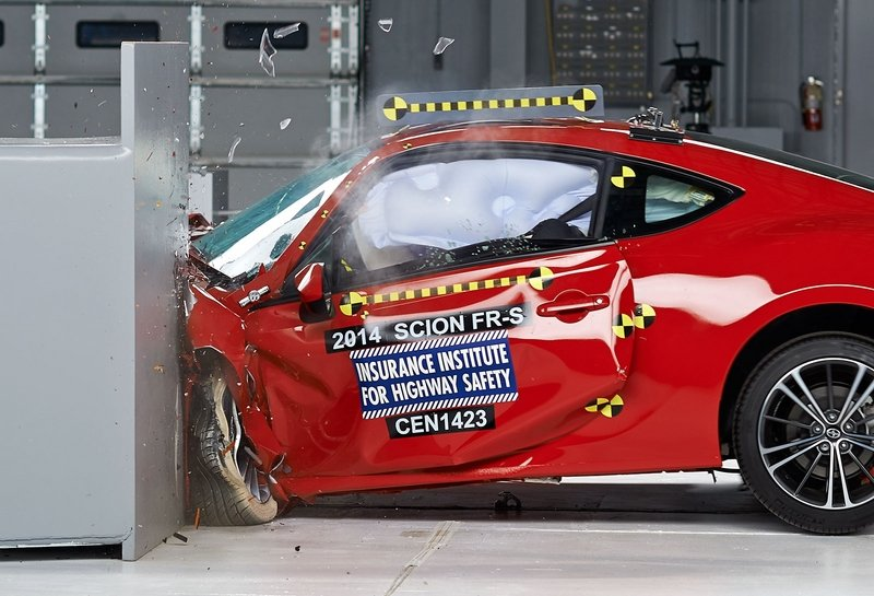 Subaru BRZ and Scion FR-S Earns IIHS 2014 Top Safety Pick