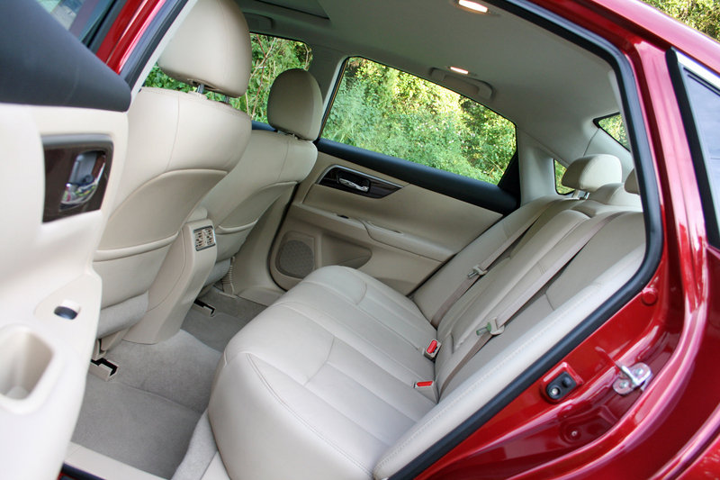 2014 Nissan Altima - Driven Interior - image 570668