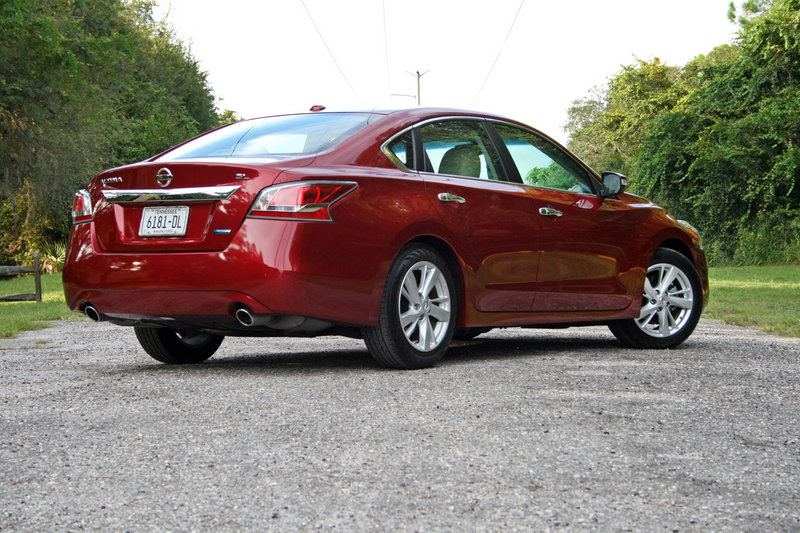 2014 Nissan Altima - Driven High Resolution Exterior - image 570680
