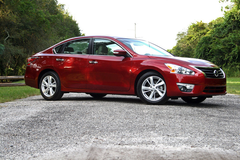 2014 Nissan Altima - Driven High Resolution Exterior - image 570660