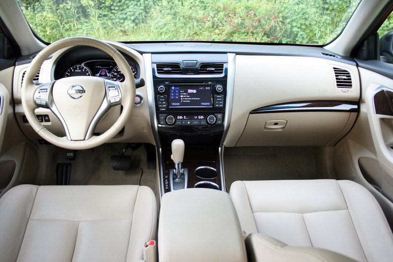 2014 Nissan Altima - Driven High Resolution Interior - image 570664