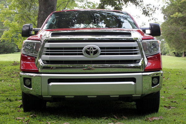 2014 toyota tundra 1794 driven car review top speed. Black Bedroom Furniture Sets. Home Design Ideas