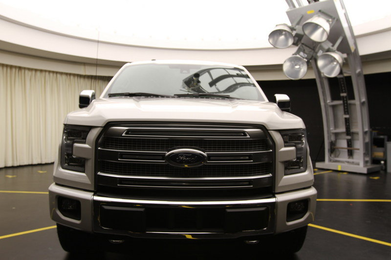 2015 Ford F-150 Underwent Extreme Testing to Assure There is No Fading Exterior - image 568317