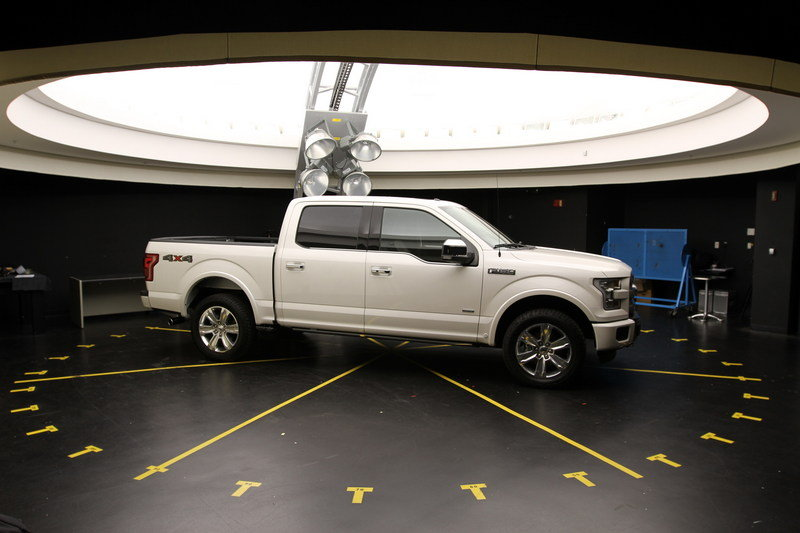 2015 Ford F-150 Underwent Extreme Testing to Assure There is No Fading Exterior - image 568319