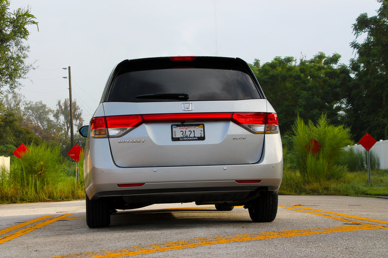 2015 Honda Odyssey Touring Elite - Driven High Resolution Exterior - image 570688
