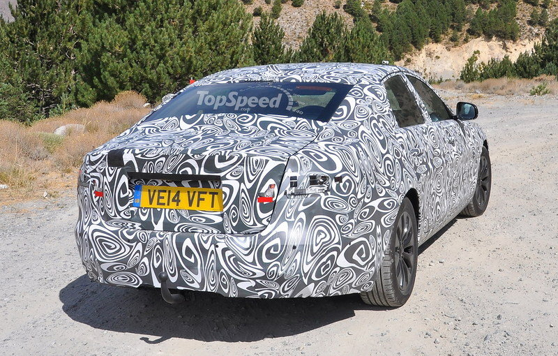Spy Shots: 2016 Jaguar XF Caught Testing in South Europe Exterior Spyshots - image 569451