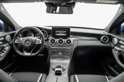 2015 Mercedes-AMG C63 Estate - image 569895