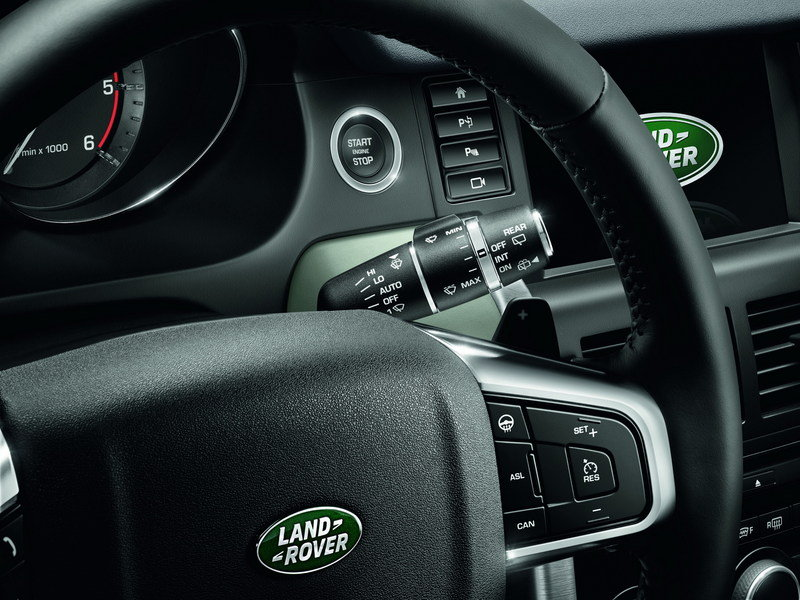 2016 Land Rover Discovery Sport Interior - image 566805