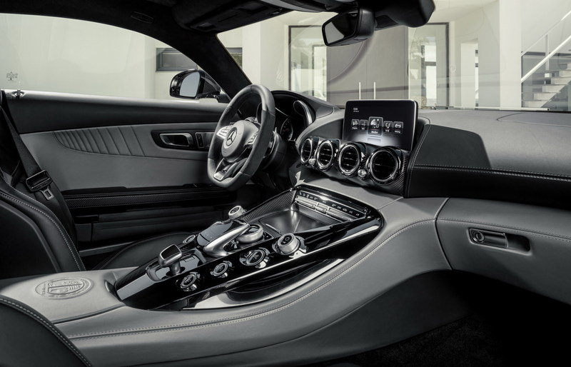2016 Mercedes-AMG GT Interior - image 567778