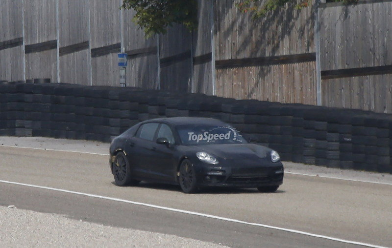 Spy Shots: Next-Generation Porsche Panamera Caught Testing for the First Time Exterior Spyshots - image 569904