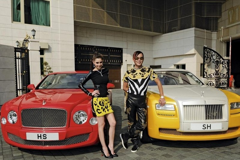 30 Rolls-Royces bought by the hong kong's Louis XIII hotel in Macau Exterior Models Male Models Female - image 568899