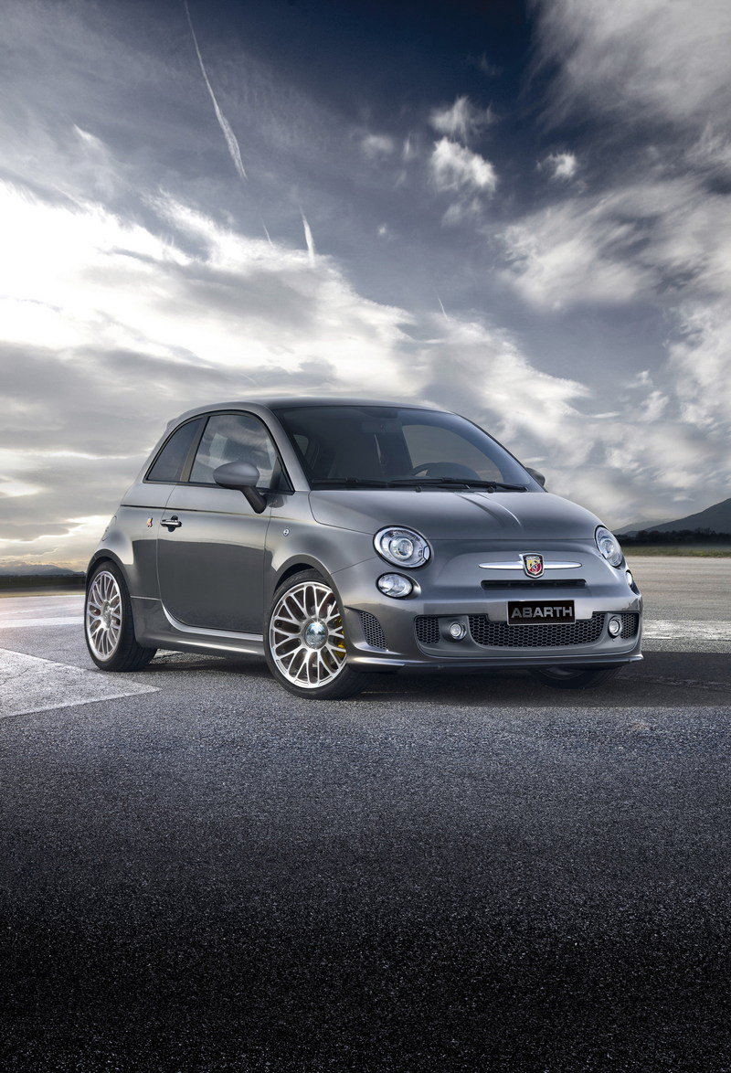 2014 Abarth 500 Track Experience Exterior - image 566887