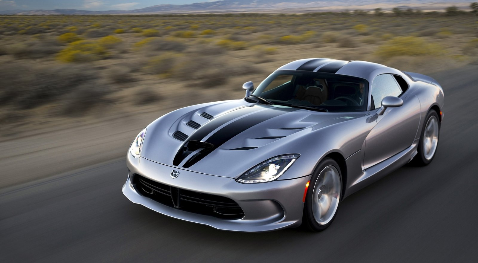 Car Games 2016 >> The 2016 Dodge Viper Could Get More Power And A Drop Top ...