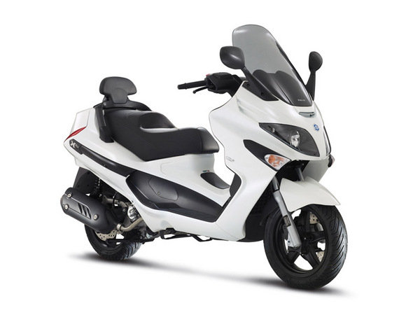 2014 piaggio x evo 125 sport motorcycle review top speed. Black Bedroom Furniture Sets. Home Design Ideas