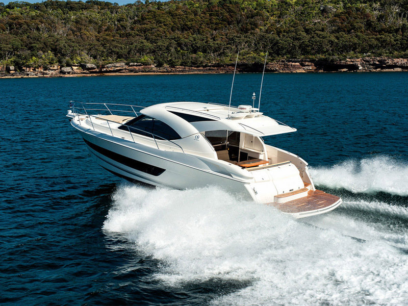 2014 Riviera 4400 Sport Yacht High Resolution Exterior - image 567610