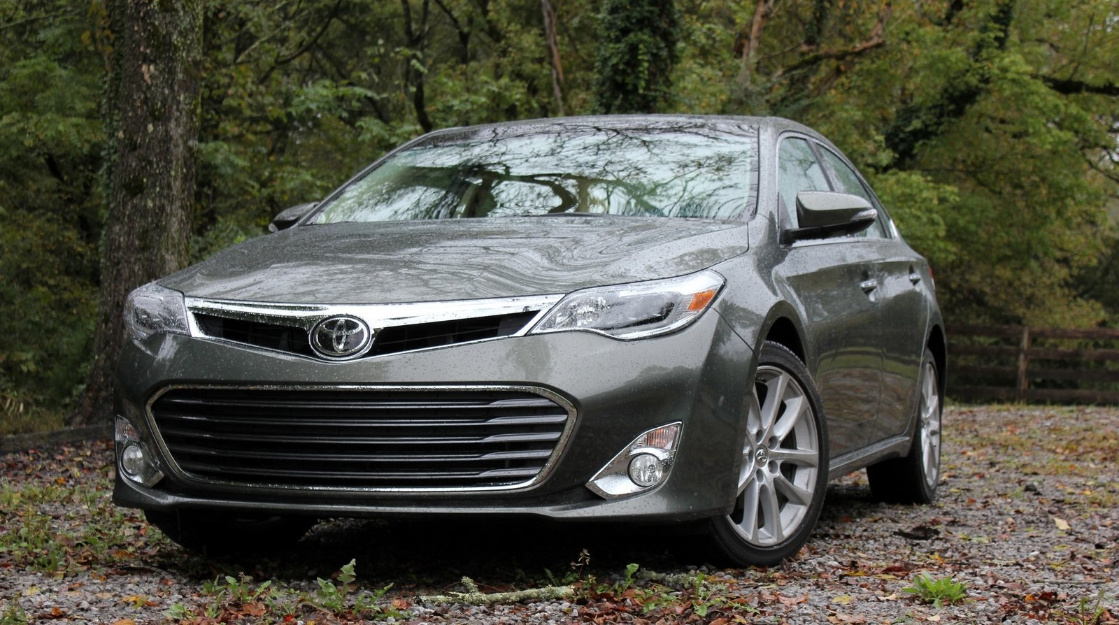 2014 toyota avalon limited driven review top speed. Black Bedroom Furniture Sets. Home Design Ideas