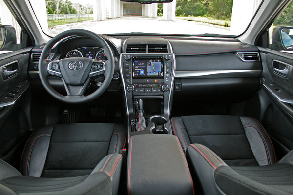 pics for 2015 toyota camry se sport interior. Black Bedroom Furniture Sets. Home Design Ideas