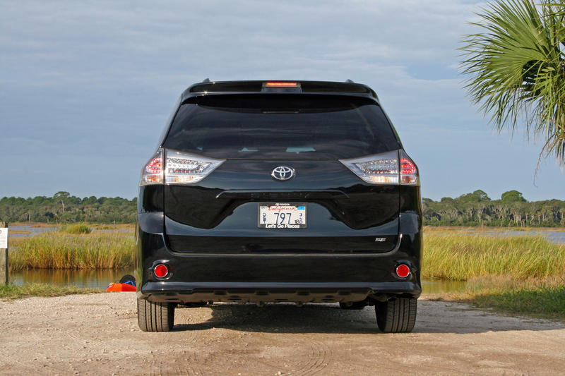 2015 Toyota Sienna - Driven High Resolution Exterior - image 573051