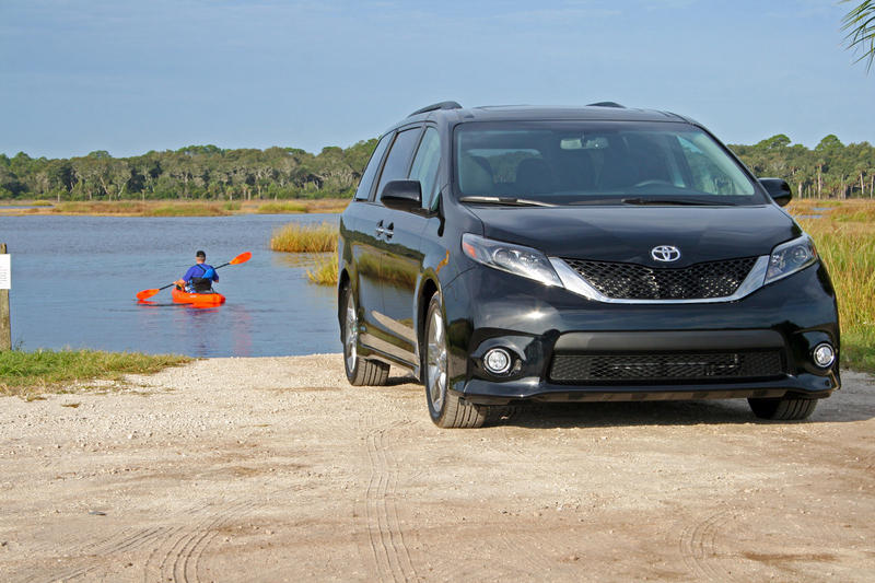 2015 Toyota Sienna - Driven High Resolution Exterior - image 573053