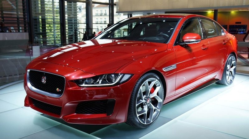 jaguar xe news and reviews top speed. Black Bedroom Furniture Sets. Home Design Ideas