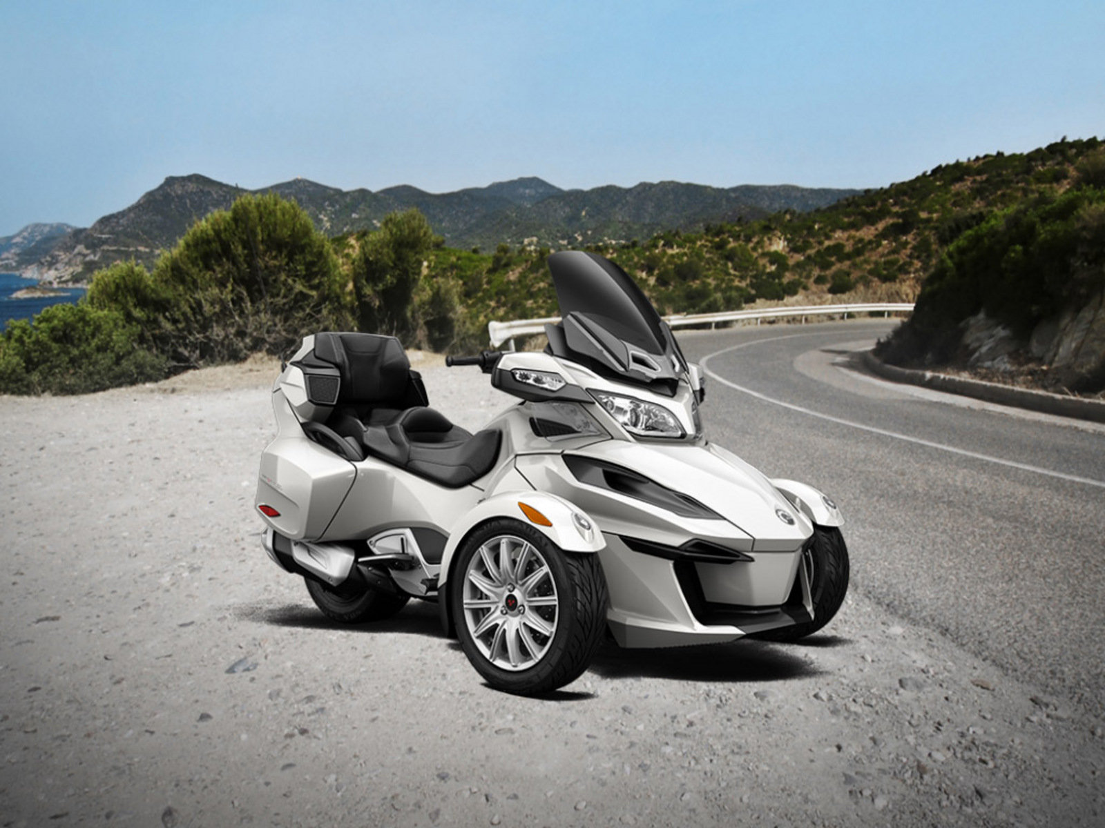 brp issues massive recall of can am spyder rt news top speed. Black Bedroom Furniture Sets. Home Design Ideas