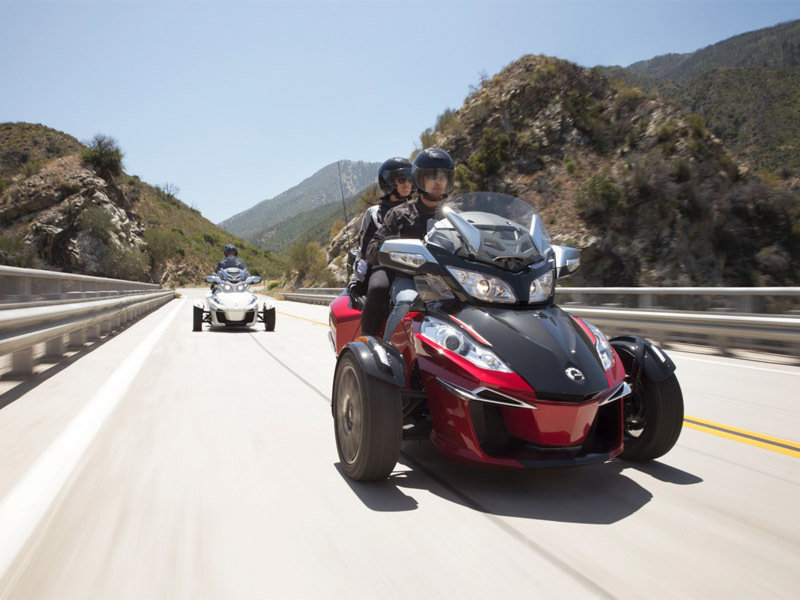 2015 Can-Am Spyder RT-S Exterior - image 572073
