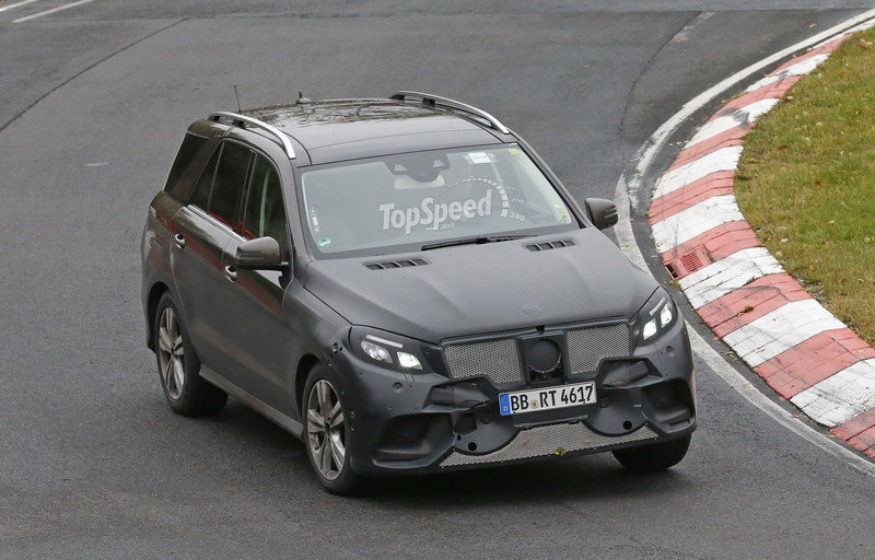 2016 Mercedes-Benz GLE-Class Plug-In Hybrid Exterior Spyshots - image 574318