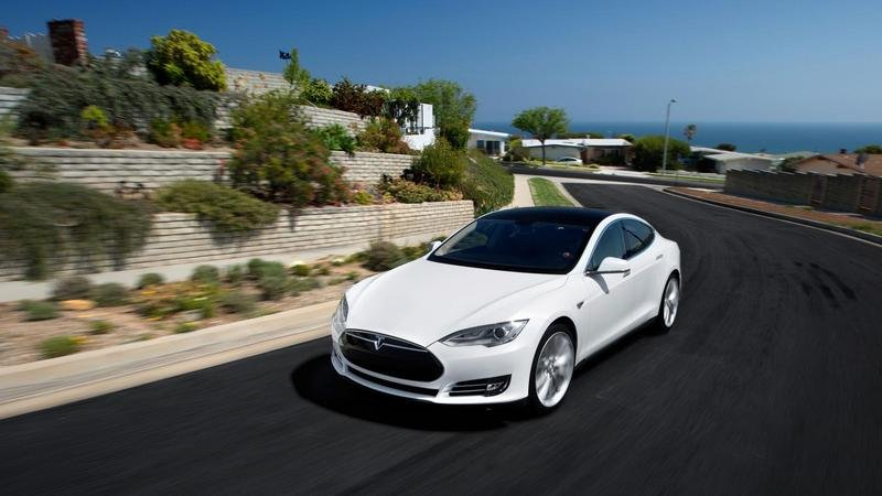 2015 Tesla Model S High Resolution Exterior - image 572376