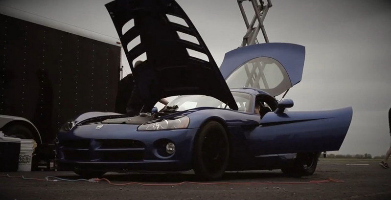 Video: 1,600 HP Dodge Viper Dominates the Track