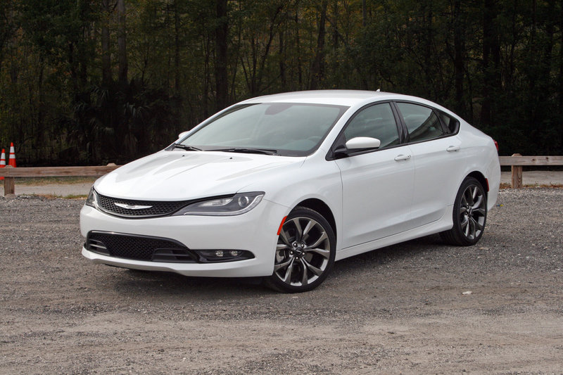 2015 Chrysler 200 S - Driven High Resolution Exterior - image 577522