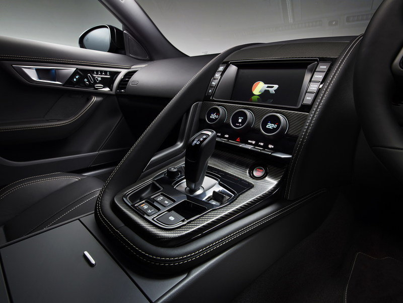 2016 Jaguar F-Type AWD Coupe Interior - image 578550