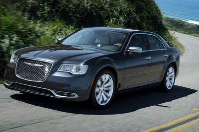 Chrysler let out a few minor details on the 2018 Chrysler 300.
