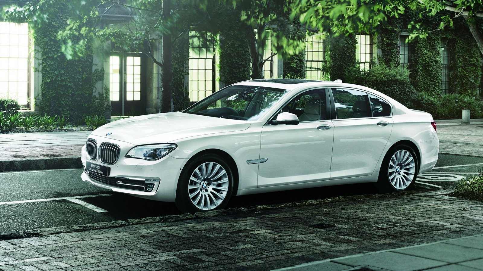 2014 BMW 740i Executive Edition Review