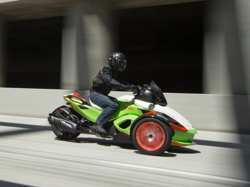 2015 Can-Am Spyder RS-S Exterior - image 579006